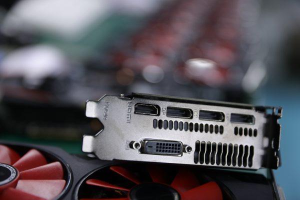 خرید کارت گرافیک Used XFX RX 580 8GB 2304 256bit GDDR5 desktop pc gaming graphics cards video card not mining 580 8G